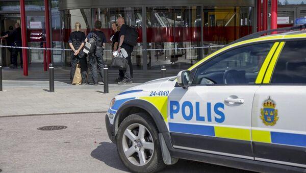 Policajci ispred Ikeine prodavnice u Vasterasu, Švedska - Sputnik Srbija