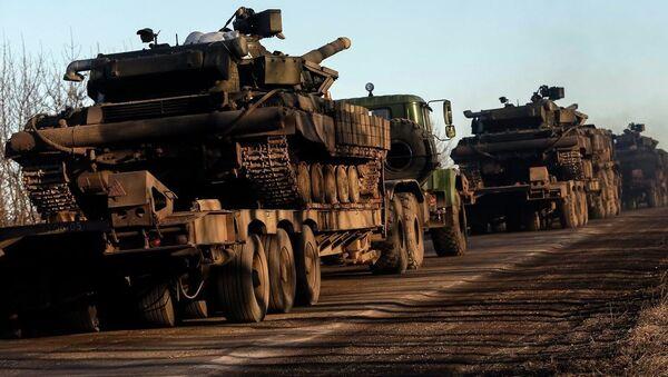 Ukrajinska vojska povlači oružje - Sputnik Srbija