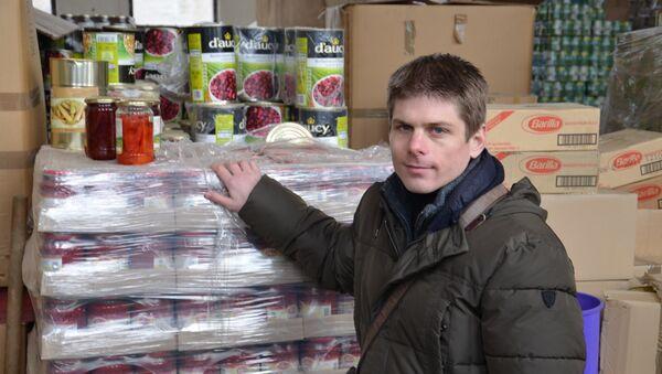 Francuski humanitarc Arno Gujon sa donacijom za Srbe sa Kosova - Sputnik Srbija