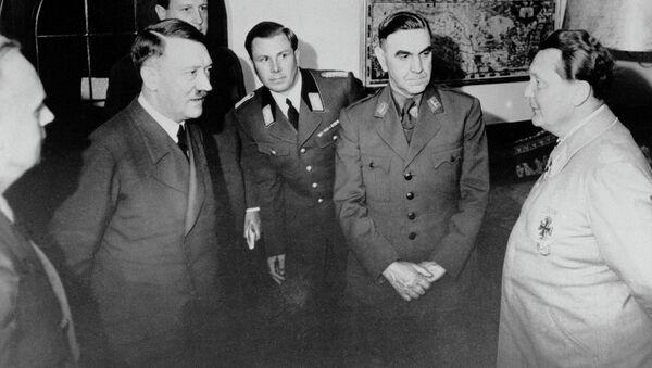 Adolf Hitler, Ante Pavelić i Herman Gering - Sputnik Srbija