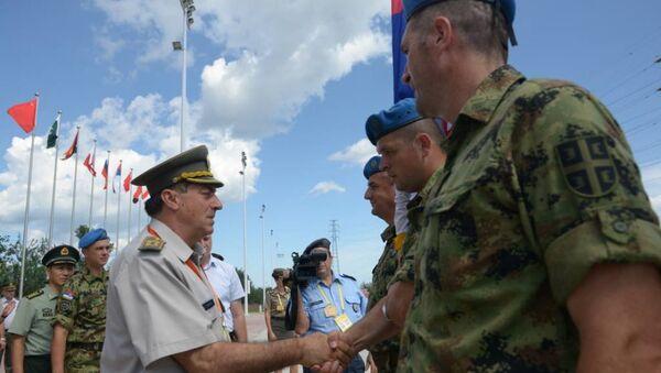 Načelnik Generalštaba VS general Ljubiša Diković sa srpskim gardistima u Pekingu - Sputnik Srbija