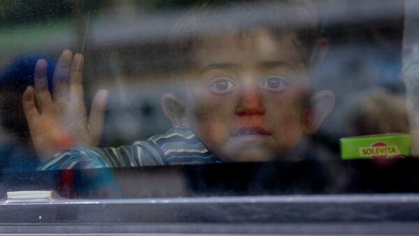 Мађарска влада на границе поставила војску како би се зауставиле избеглице - Sputnik Србија