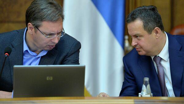 Aleksandar Vučić i Ivica Dačić na sednici Vlade Srbije - Sputnik Srbija