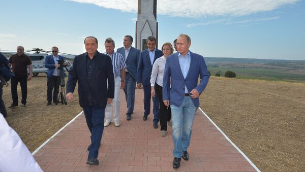 Председник Русије Владимир Путин и бивши премијер Италије, Крим - Sputnik Србија