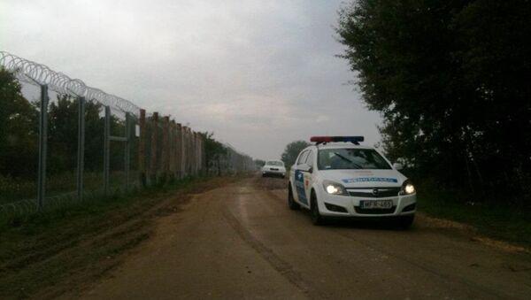 Мађарска полиција на граници - Sputnik Србија