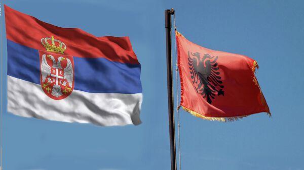 Zastave Srbije  i Albanije - Sputnik Srbija