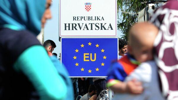 Izbeglice na hrvatskoj granici - Sputnik Srbija