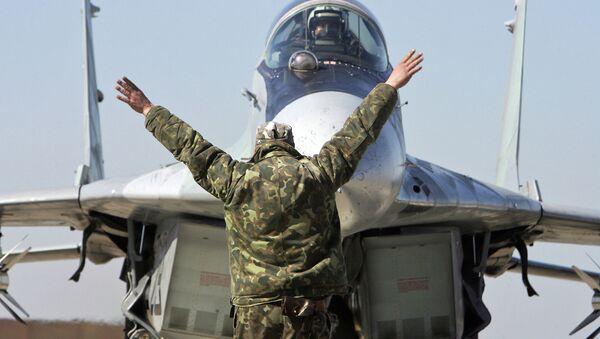 Руски авион А-50 на писти ваздухопловне базе у Минску - Sputnik Србија