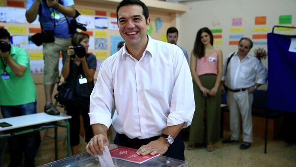 Алексис Ципрас на гласачком месту - Sputnik Србија