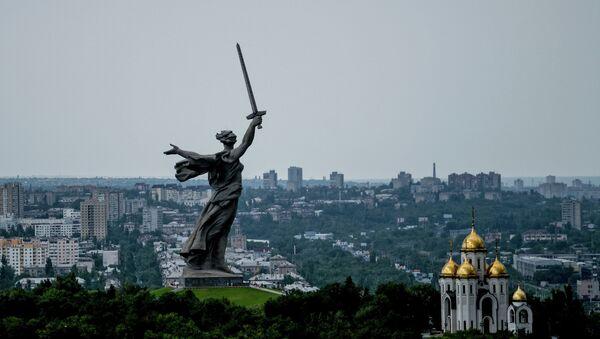 Spomenik Majka Domovina zove! u Volgogradu - Sputnik Srbija