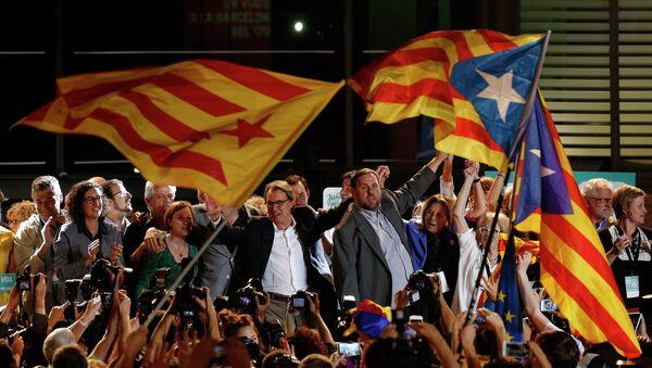Premijer Vlade Katalonije Artur Mas proslavlja izbornu pobedu - Sputnik Srbija