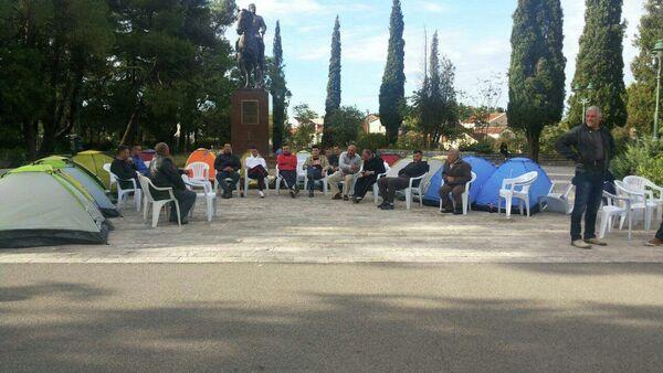 Učesnici protesta  opozicionog Demokratskog fronta u centru Podgorice - Sputnik Srbija