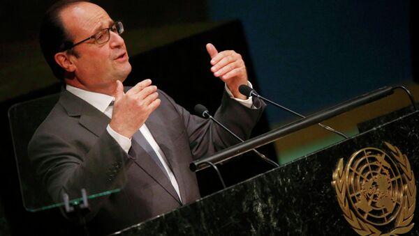 Председник Француске Франсоа Оланд за говорницом у УН - Sputnik Србија