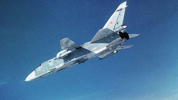 Ловац-бомбардер Су-24 - Sputnik Србија