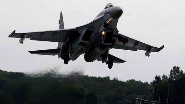 Lovac-bombarder Su-35 sm - Sputnik Srbija