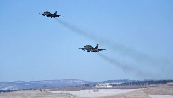 Lovci-bombarderi Su-25 - Sputnik Srbija
