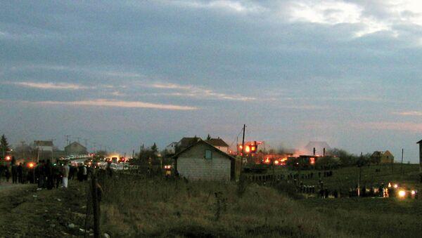 17. marta 2004. Veliki pogrom Srba na Kosmetu. Oko 4000 Srba izgnano iz svojih kuća, poginulo je 28 ljudi, 35 pravoslavnih manastira je uništeno ili oskrnavljeno, a oko 930 srpskih domova je spaljeno i uništeno - Sputnik Srbija