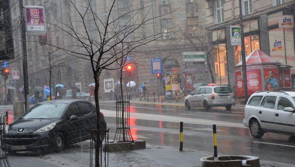Киша и снег падају у многим местима у Србији - Sputnik Србија
