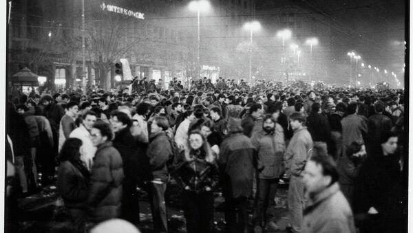 Демонстрације код Теразијске чесме 09. марта 1991 - Sputnik Србија