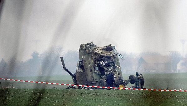 Делови хеликоптера који се срушио код аеродрома Никола Тесла - Sputnik Србија