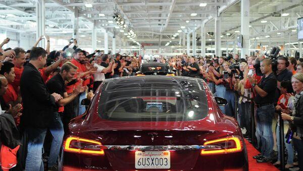 Automobil Tesla model S - Sputnik Srbija
