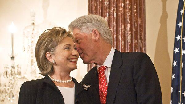 Хилари и Бил Клинтон - Sputnik Србија