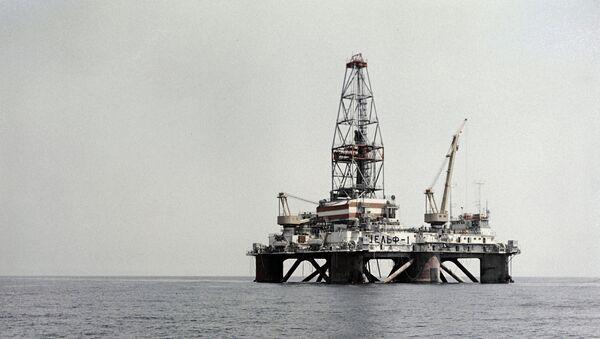 Naftna platforma Šelf-1 - Sputnik Srbija